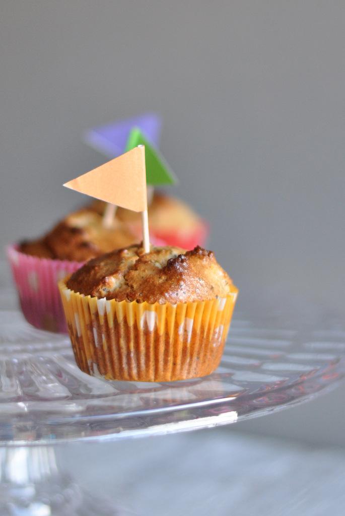 Lemon poppyseed paleo muffins