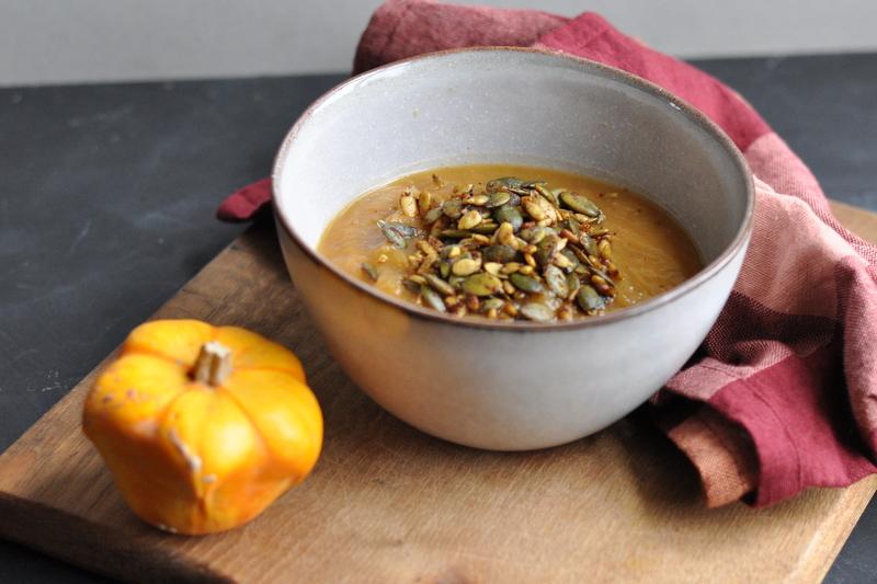 fall apple pumpkin soup